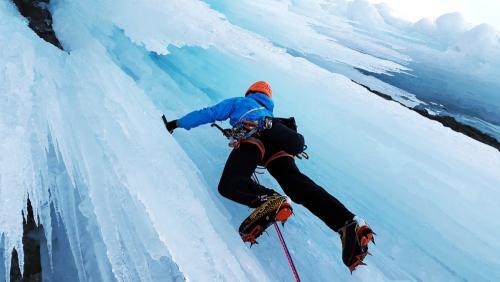 ludys-reizen-wintersport-ijsklimmen-01